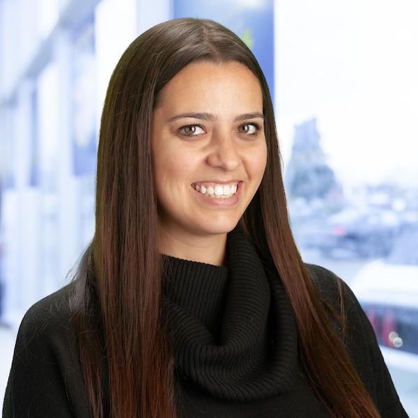 Claudia Santos : Sales Department